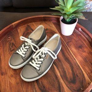 Ecco Leather Sneaker